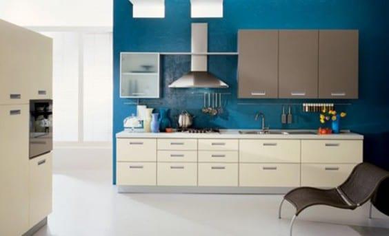 moderne küche weiß mit wände blau