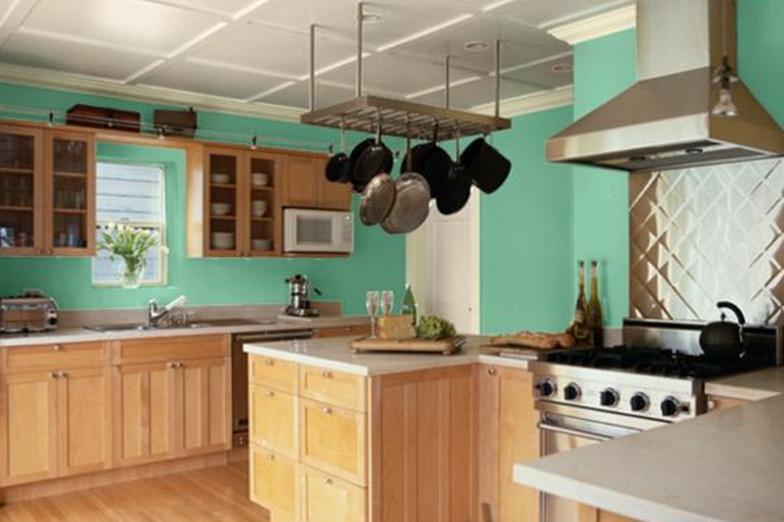 küche mit laminatboden und küchenmöbel holz
