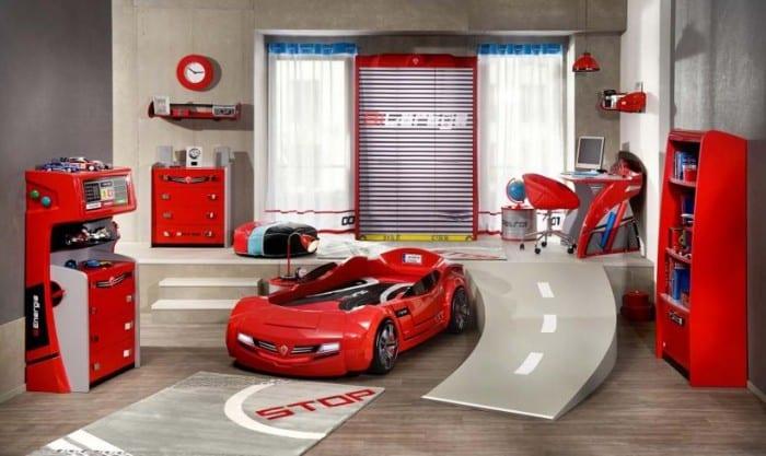 kinderzimmer mit rampe und autobett in rot