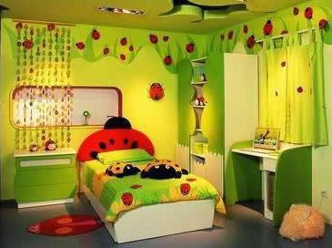 Kinderzimmer grün mit Marienkäfern