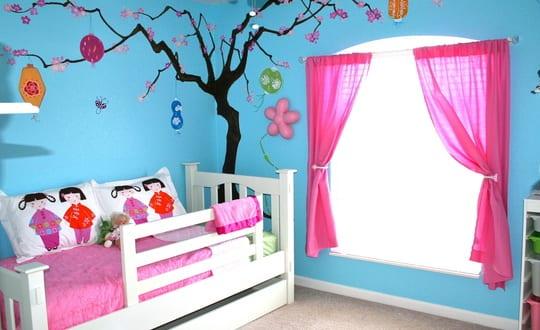 kinderzimmer streichen idee in blau und rosa - fresHouse
