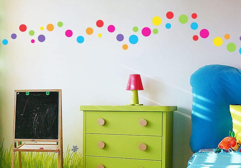 Charmant Kinderzimmer Gestalten Mit Grüner Kommode Und Kleiner Kreidetafel  Blaue  Kinderbettwäsche
