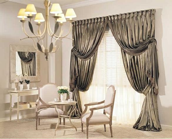 klassische wohnzimmergestaltung in weiß mit gardinen petrolgrün- weiße klassische möbel