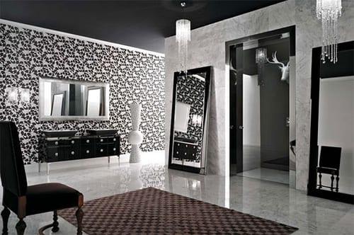 badezimmer mit boden und wand aus naturstein und wandtapete mit schwarzen blumen- deckengestaltung schwarz-badezimmerspiegel mit Metallrahmen-waschtischschrank mit schwarzen waschtischen
