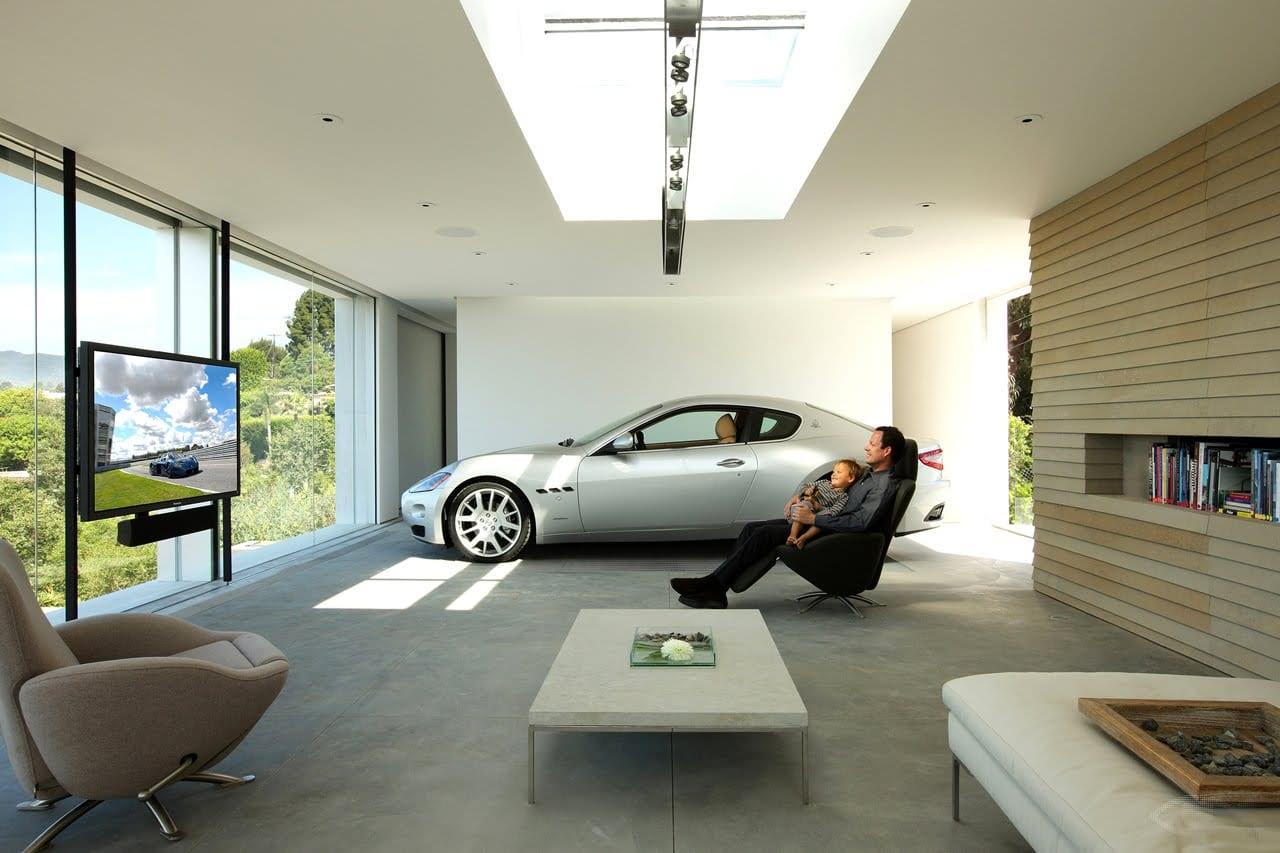 open space haus mit garage im wohnzimmer-modernes haus mit panoramafesnstern mit schwarzem fensterrahmen-licht idee wohnzimmer