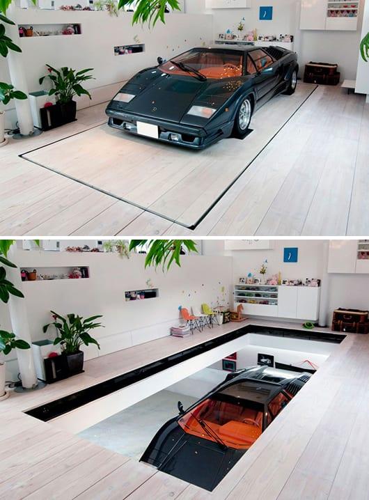 modernes wohnzimmer- wohnzimmer einrichten mit weißem holzboden und mobiler garage