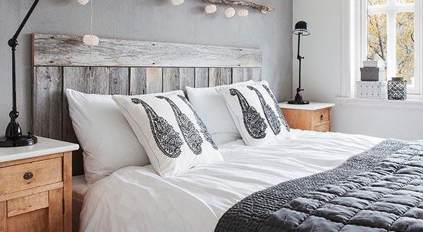 modernes schlafzimmer mit bett aus europaletten - fresHouse