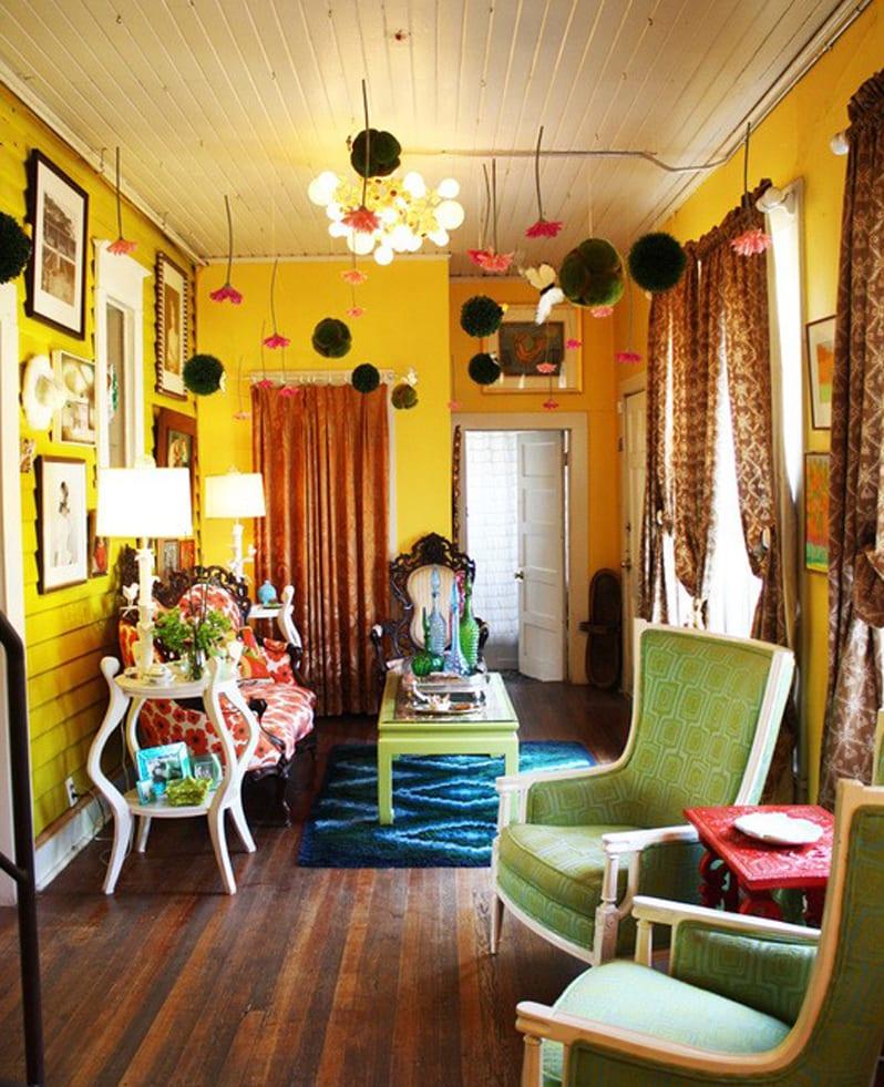 wohnzimmer gelb mit wandfarbe gelb-deckengestaltung-sessel grün