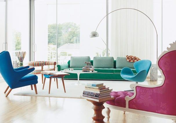 luxus wohnzimmer mit sofa grün und sessel blau-liegesofa pink