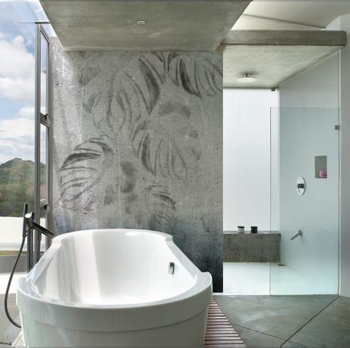 innenraumgestaltung mit modernen wandtapeten- modernes badezimmer mit panoramafenster und betonwand