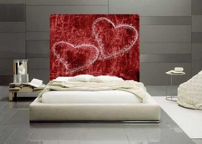 graues schlafzimmer interior mit bodenfliesen und wandfliesen grau
