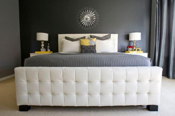 kleines schlafzimmer mit wandfarbe grautöne und gardinen grau-graue bettwäsche