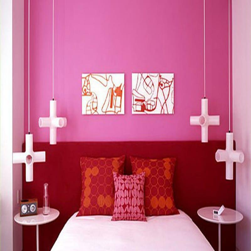 schlafzimmer dekorieren mit kreuzförmigen pendelleuchten weiß