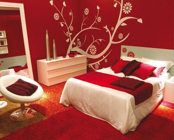 schlafzimmer wandgestaltung-weiße sideboard-bett dekoration
