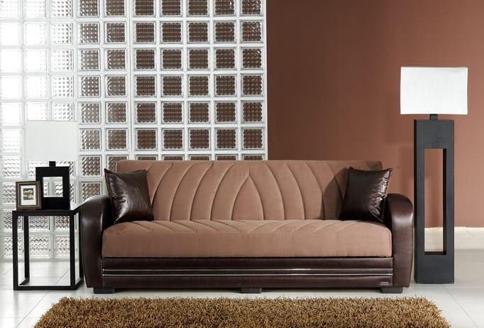wohnzimmer inspirationen mit wandfarbe braun und glassteinwand-sofa braun