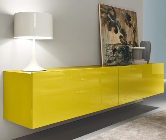 sideboard modern mit asymmetrische dekoration an den Rändern