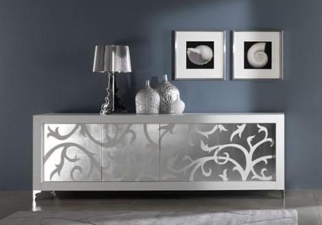 wandfarbe grau-sideboard mittig dekorieren