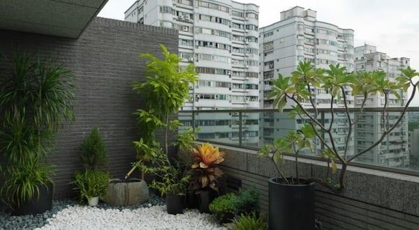 steingarten balkon gestaltungsidee freshouse. Black Bedroom Furniture Sets. Home Design Ideas