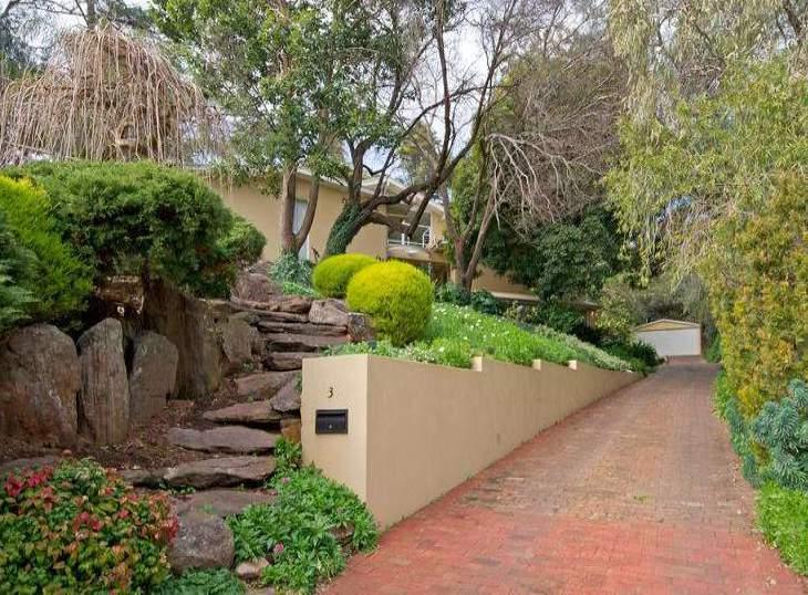 traumgarten mit cooler treppenstuffen aus steinen