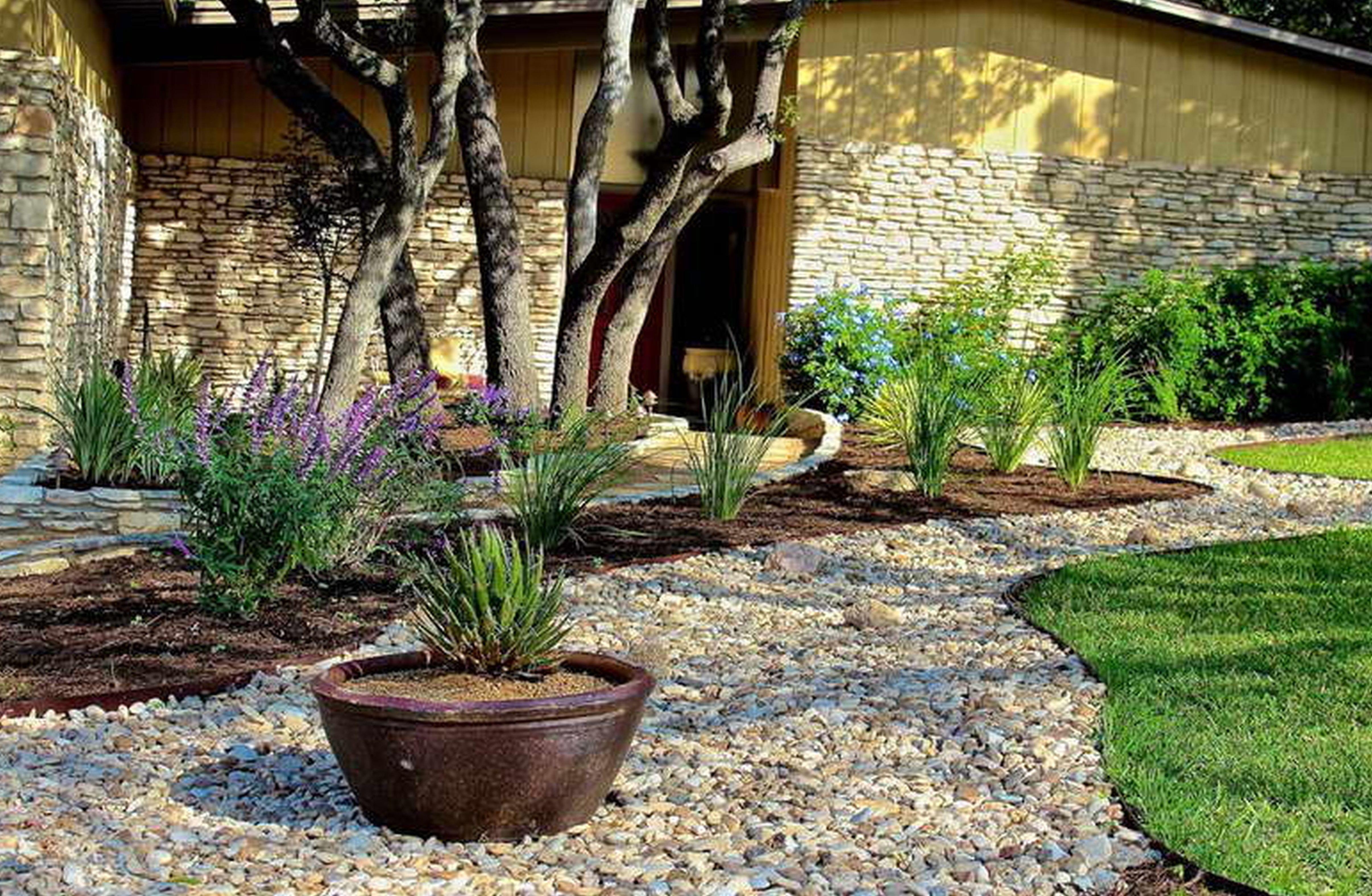 vorgarten gestalten mit gras und kies