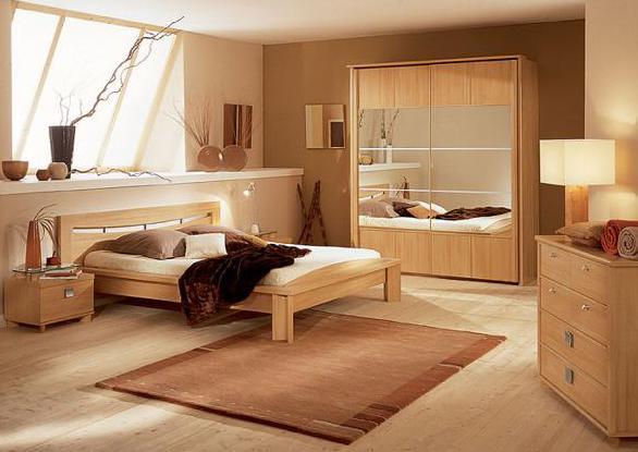 schlafzimmer destalten ideen-holzmöbel schlafziimmer-kleiderschrank mit spigeltüren