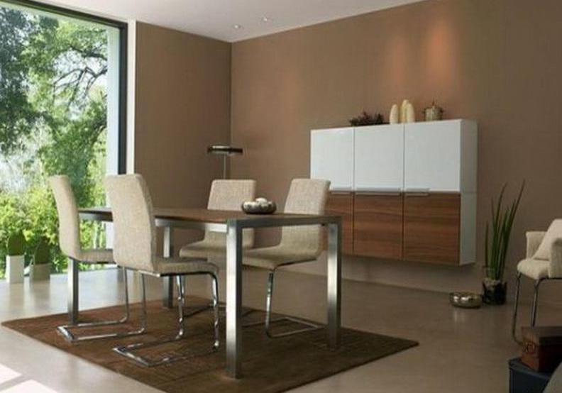elegantes esszimmer mit panoramafenster und wände braun-wandschrank weiß und holz