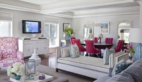farbgestaltung wohnzimmer in weiß und pink- esszimmerstühlen pink