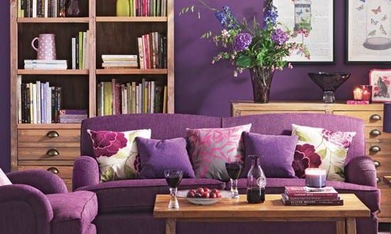 wohnzimmer lila sofa und sessel violett freshouse. Black Bedroom Furniture Sets. Home Design Ideas