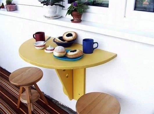 einfache balkonmöbel selber bauen und streichen fürs balkon gestalten in gelb
