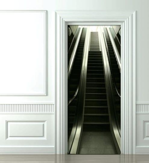 optische täuschung einer Rolltreppe im Flur