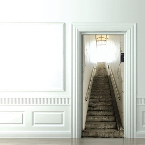 innentüren gestalten mit fototapete einer alten Treppe