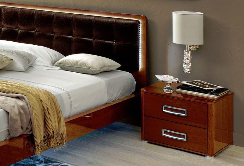 luxus schlafzimmer inspiration-modernes bett mit kopfbrett aus leder braun und LED beleuchtung