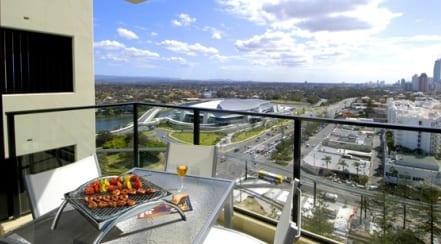 balkon gestalten mit tischgrill