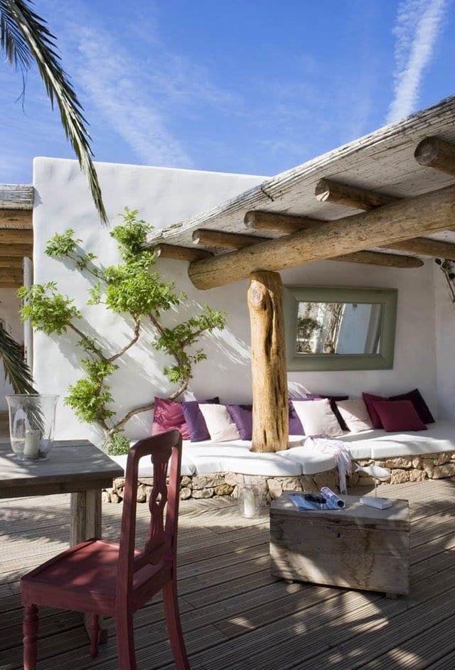 terrasse gestalten mit wpx terrassendiele und terrassenüberdachung aus rundholz