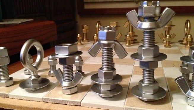 diy schach aus holz und metall