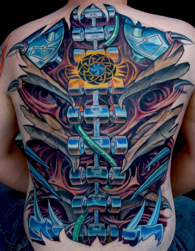 rücken tattoo biomechanik männer