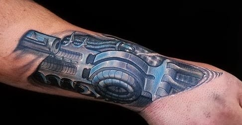 hand tattoo biomechanik