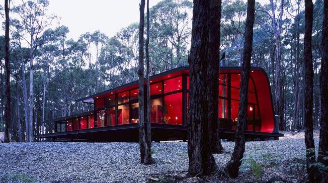 extreme Eleganz und minimalistisches design - luxus Ferienhaus im Wald