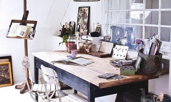 einrichtungsideen wohnzimmer rustikal mit dachschr ge und sitzecke b ro freshouse. Black Bedroom Furniture Sets. Home Design Ideas