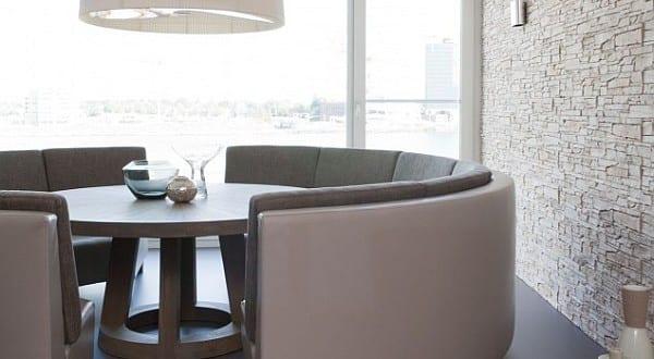 esstisch massiv mit rundem sofa für modernes esszimmer - fresHouse