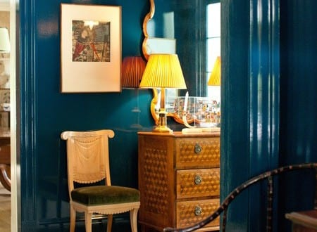 pin blau mit wand streichen in blau und teppich wei und. Black Bedroom Furniture Sets. Home Design Ideas