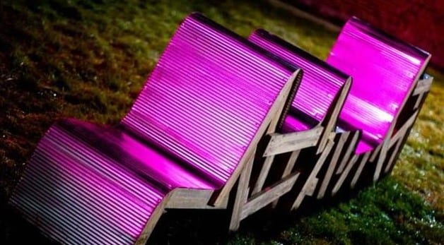 gartenmöbel aus paleten in violett