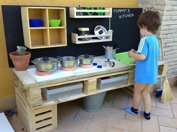 77 ideen f r gartenm bel aus paletten freshouse - Table de cuisine en palette ...