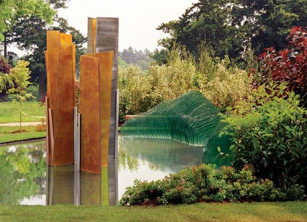 garten- und landschaftsbau - kreative garten ideen mit wasser und gartenskulpturen aus flachglas