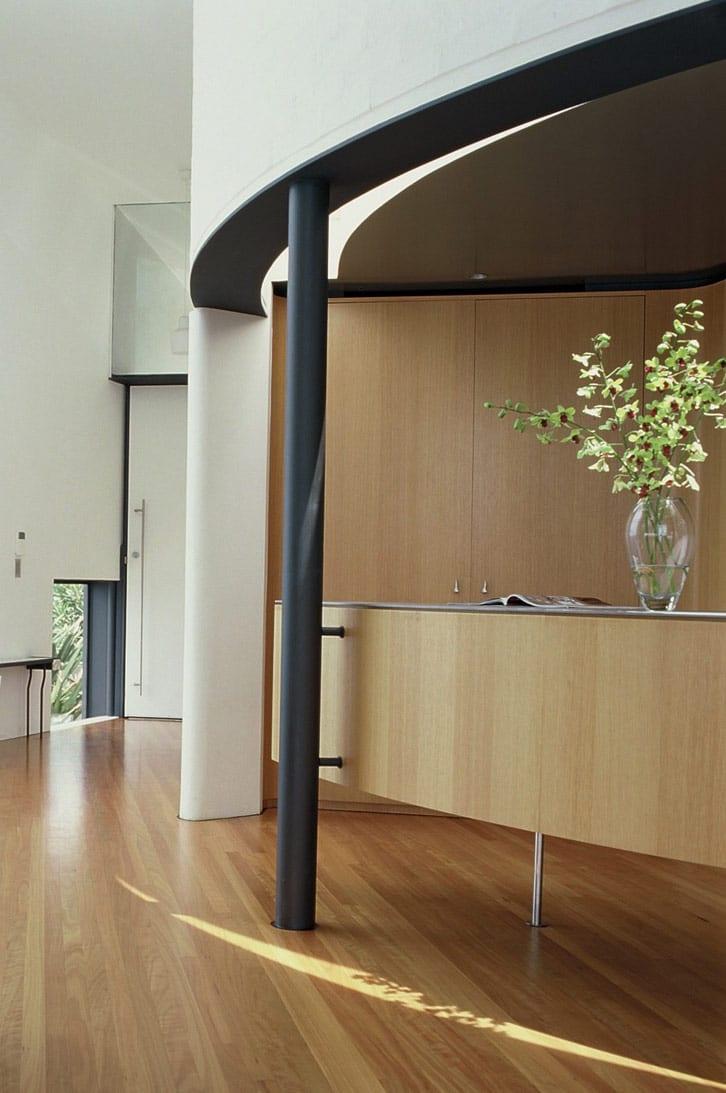 moderne raumgestaltung-eingebaute schränke aus holz