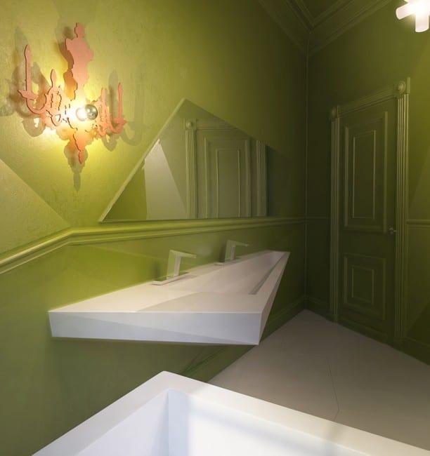 2 raum wohnung ideen-luxus badezimmer interior mit grünen wänden und weißem asymmetrischem waschtisch  und Badezimmer spiegel-innentür grün