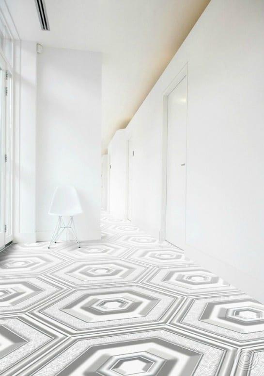 modernes interior design in weiß mit weißem elastischen bodenbelag mit 3D Textur