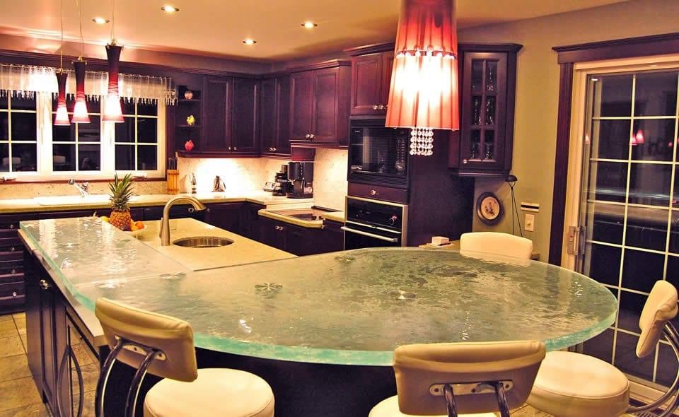 oberfl che aus glas k chenarbeitsplatten und bars von think glass freshouse. Black Bedroom Furniture Sets. Home Design Ideas