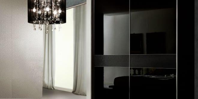 kleiderschrank schwarz mit schiebet ren schlafzimmer set. Black Bedroom Furniture Sets. Home Design Ideas