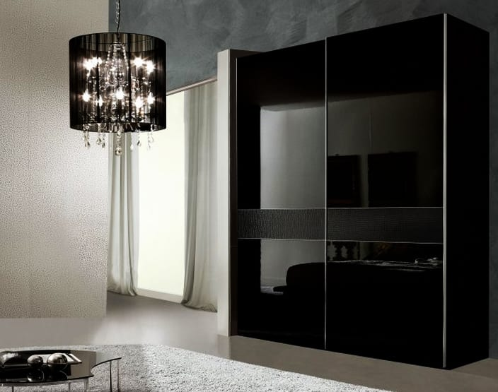kleiderschrank schwarz mit schiebet ren schlafzimmer set freshouse. Black Bedroom Furniture Sets. Home Design Ideas